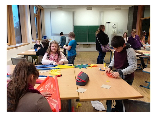 Basteln in der 5a©Oberschule Nienburg (OBS-Z)