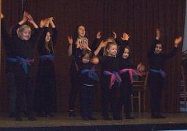 Tanzvorführung_verdammt2©Oberschule Nienburg (OBS-Z)